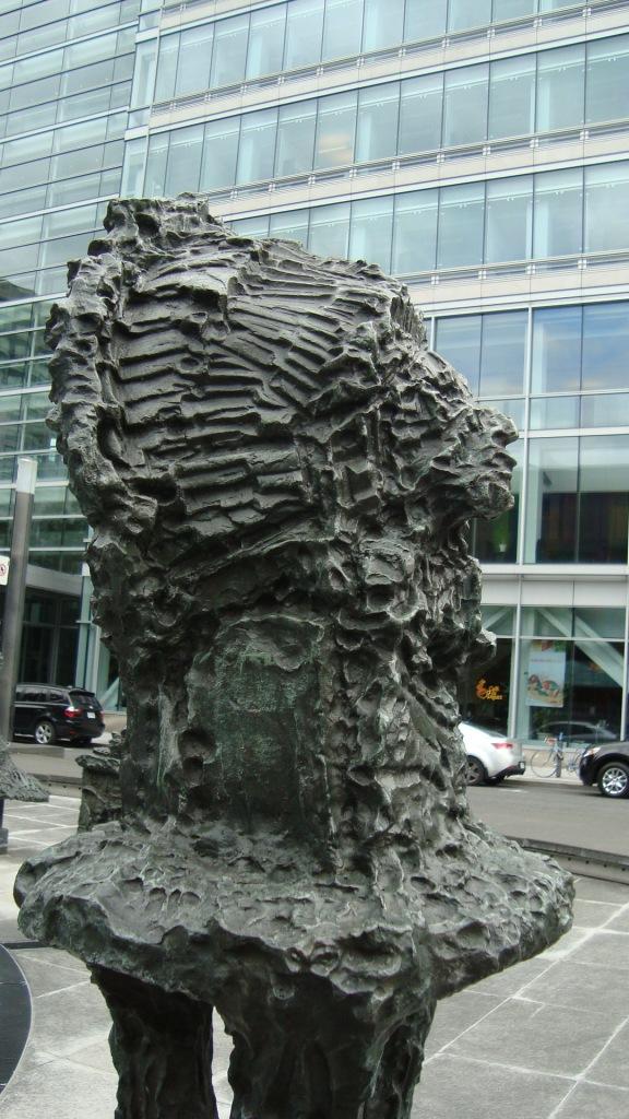 LA JOUTE (détail), installation-sculpture de Jean-Paul Riopelle (1969). Photo: la Lettrée Voyageuse