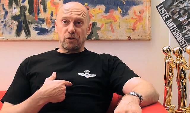 Alain Soral dans son espace de communication internet