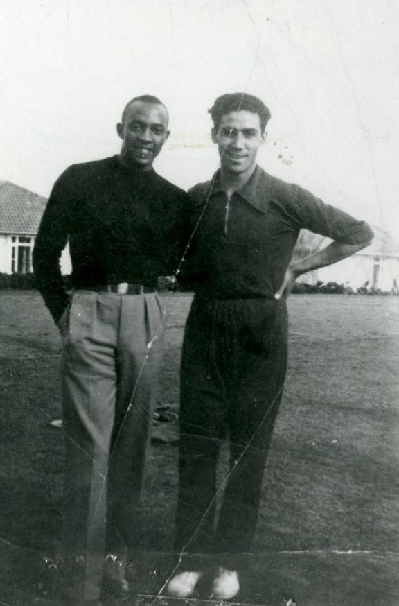 Jesse Owens posed with Gregory Lambrakis, Berlin, 1936