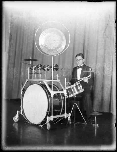 Old-portative-drum