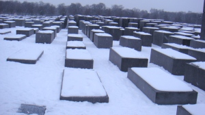 Berlin_Holocaust_Memorial_in_snow