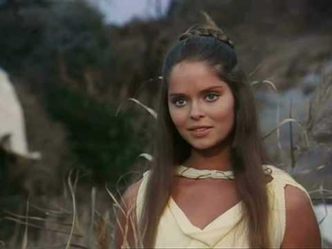 Nausicaa (Barbara Bach) dont le regard dévorant fera jaillir des pans entiers du récit d'Ulysse